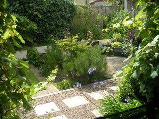 Knaresborough town garden landscaping screen planting and water feature