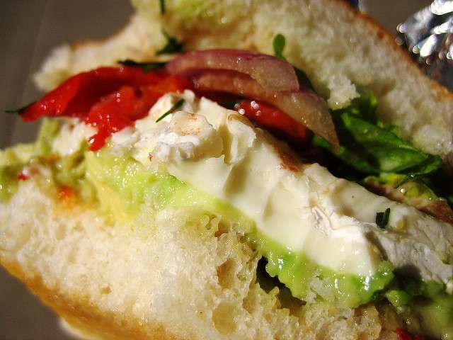 Il panino più buono che c'è, da portare in ufficio o da mangiare a casa, in un tipico brunch da single.