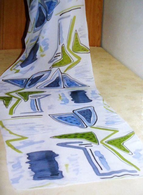 Sciarpa in crepe de chine dipinta. Deka silk e tecnica mista.