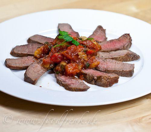 Harissa-mariniertes Steak mit Salzzitronen-Sauce