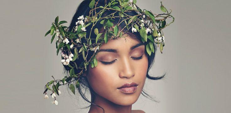 Haare brauchen viel Pflege, um glänzend und gesund zu sein. Doch diese Pflege müsst ihr nicht unbedingt kaufen. Eine Haarkur selber zu machen ist ganz einfach - vor allem...