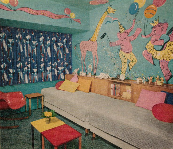 Mid-century children's bedroom with circus mural, 1955 http://www.retrorealtygroup.com  #kidsbedroom #retrohome #1950s