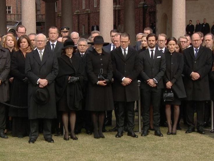 Gert's Royals (@Gertsroyals) on Twitter:  The Swedish Royal Family Attended a Moment of Silence for the Victims of the Stockholm Terror Attack, April 10, 2017- King Carl Gustaf, Queen Silvia, Crown Princess Victoria, Prince Daniel, Prince Carl Philip and Princess Sofia