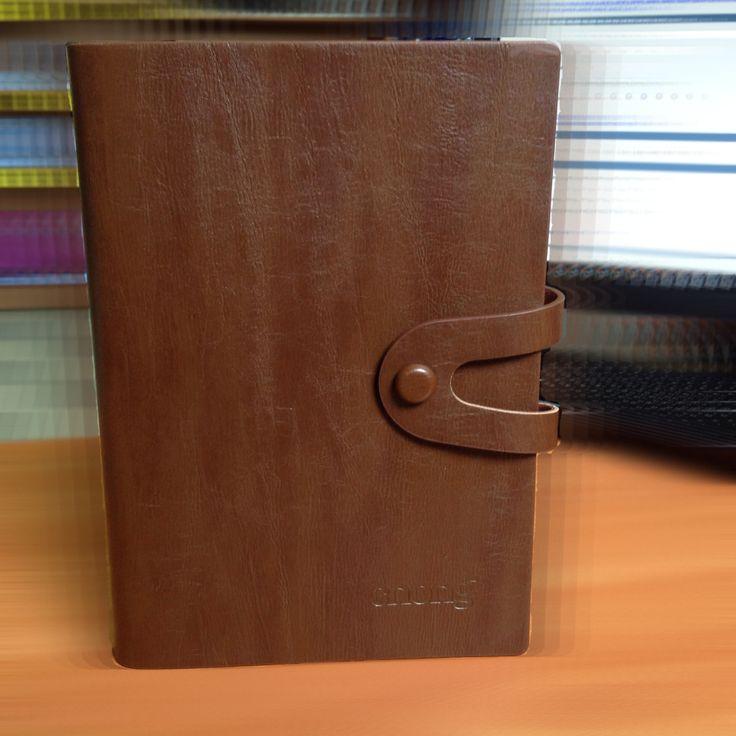 """Органайзер блокнот в кожаной обложке """"CNONG"""". Формат А5.  Очень удобный планировщик Вашего времени.  Размер обложки: 170х235 мм.  Размер бланков: 143х210 мм.  Размер колец: 10 мм.  Имеются два держателя-петли для пишущих принадлежностей и четыре кармана на внутренней стороне для карт, резинка для ручки.  Застежка - кнопка  Цена: 120 грн.  Фото блокнота смотрите здесь: http://kanztovary.tumblr.com/post/83604925393/cnong-5"""