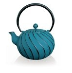 cast iron teapot I am in love with. Muero por una así
