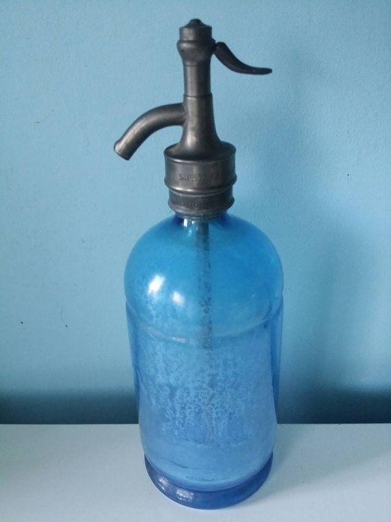 Bekijk dit items in mijn Etsy shop https://www.etsy.com/nl/listing/268670780/blue-seltzer-soda-syphon-stunning-french