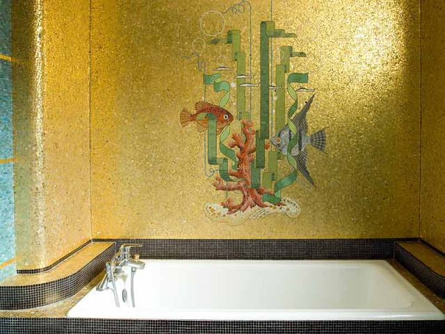 Mosaïques de Odorico dans une salle de bain, rue Joseph Sauveur (1939)