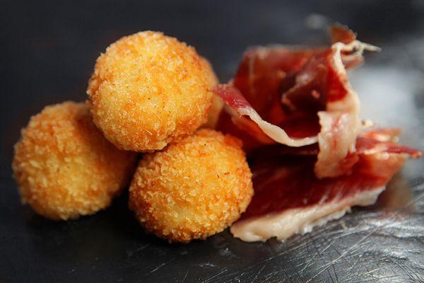 Tienda gourmet, jamones ibericos de bellota, jamon Joselito, compra petrus vino excepcional