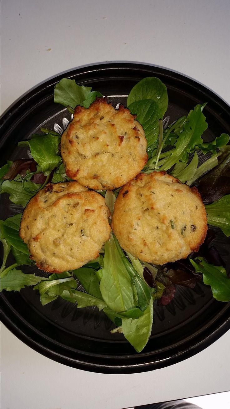Italian savory muffin recipe with tuna and ricotta - http://easyitaliancuisine.com/italian-savory-muffin-recipe-tuna-ricotta-post/