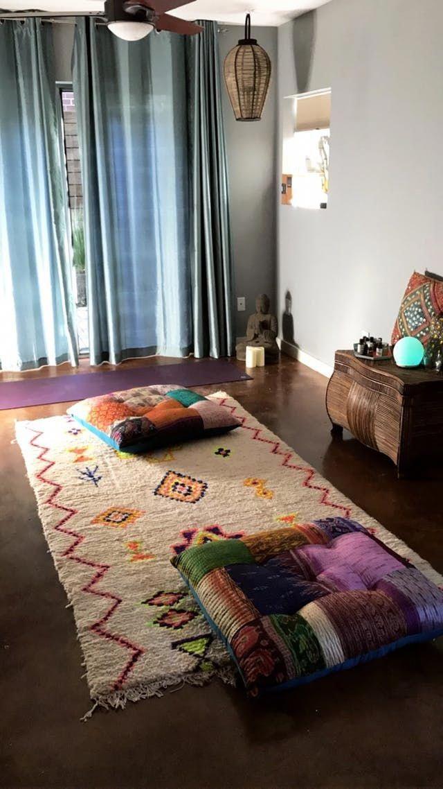 Hall Carpet Runners For Sale Carpetrunnersforstairs Info 7669148526 Carpetslivingroom In 2020 Meditation Room Decor Yoga Room Design Meditation Room