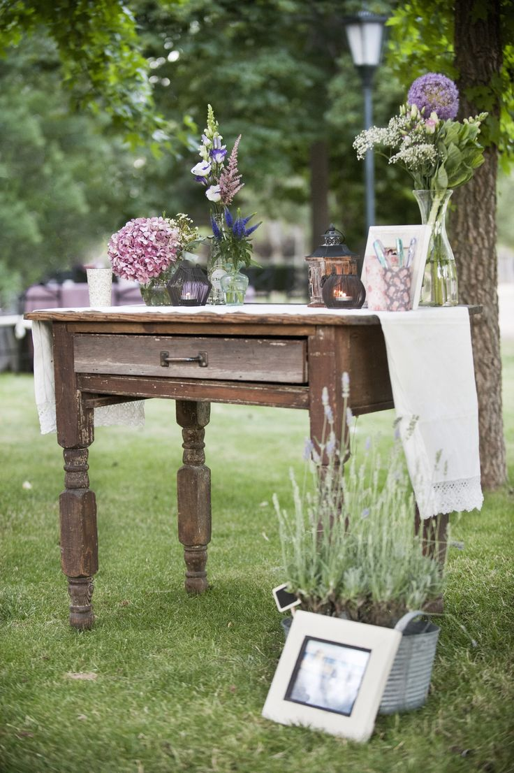 Mesa de firmas vintage mesa de madera con pieza de encaje for Mesa vintage madera
