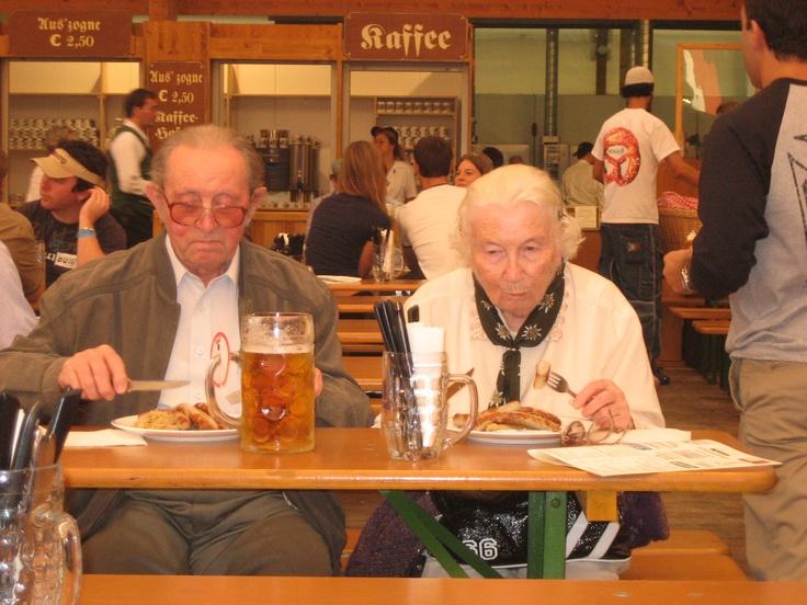 #atavolaconlatitudes - oktoberfest 2005: semplicemente inarrivabili