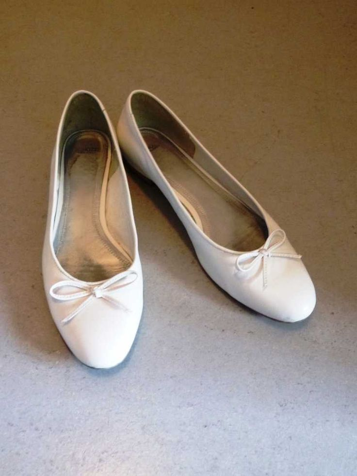 Wenn die Brautschuhe anfangen zu drücken: weiße Ballerinas ...