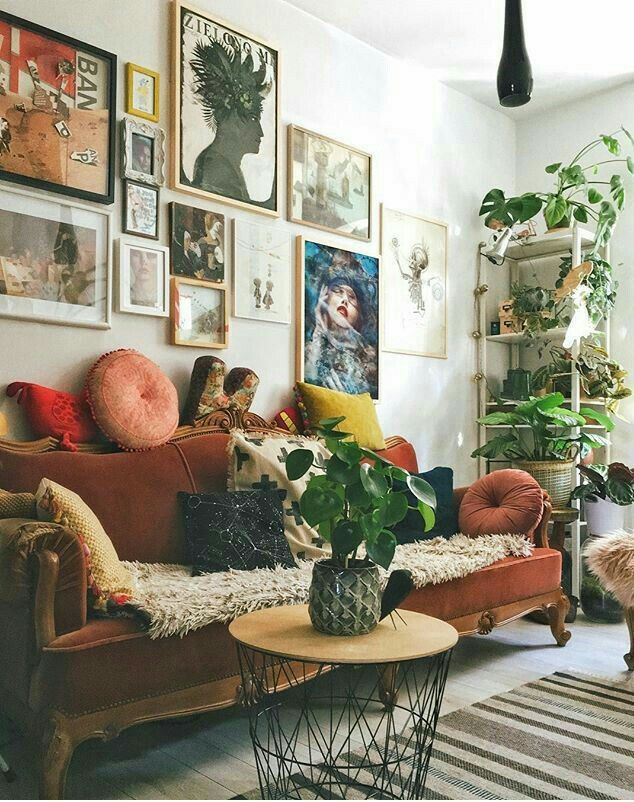 I Like The Arrangement Of The Pictures Although In General A Bit Cluttered Concerned About My Place Eclectic Living Room Home Living Room Living Room Designs