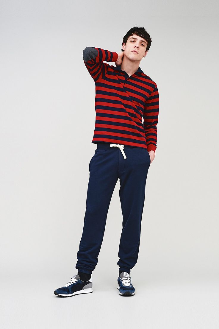 If you're looking for sportswear pieces that can conquer the urban sphere, wear this striped red and blue polo with patches on the elbows over a pair of simple fleece dark blue trousers. #SUN68 #SUN68FW16 #FW16 #uomo #man #fashion #cool #mood #winter #fall #newcollection #moda #outfit #shopping #beauty #boy #tshirt #trousers #sneakers