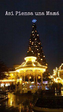 Luces navideñas.  Viajar a Disneyland Paris en invierno. Travelling with kids. Viajes con niños