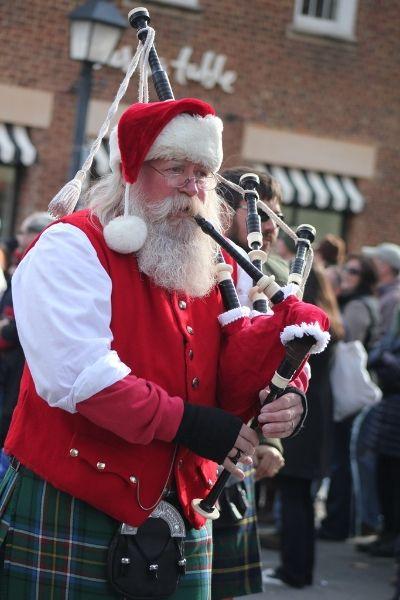 Bagpipe playing santa