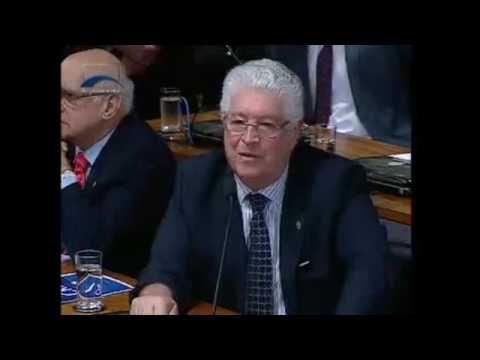 Requião debate com comandante do Exército as ameaças à soberania nacional