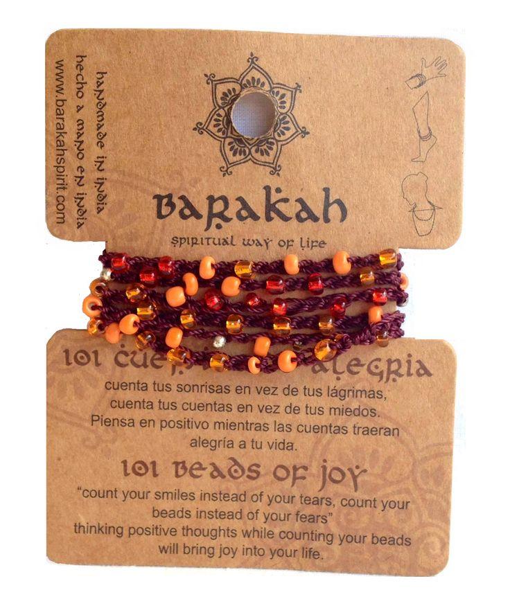 Barakah wikkelarmbandje gemaakt van gehaakt donkerbruindraad met daarin101subtiele glanskraaltjes verwerkt over de volle lengte (ca.100cm lang). Draag dit wikkelarmbandje om je pols, enkel of als ketting. Sluiting : knoopje met lusje. Zie afbeelding voor kleur en uitvoering. 101 Beads of Joy : Tel je lach ipv je tranen, tel de kralen ipv je angsten.Het tellen […]
