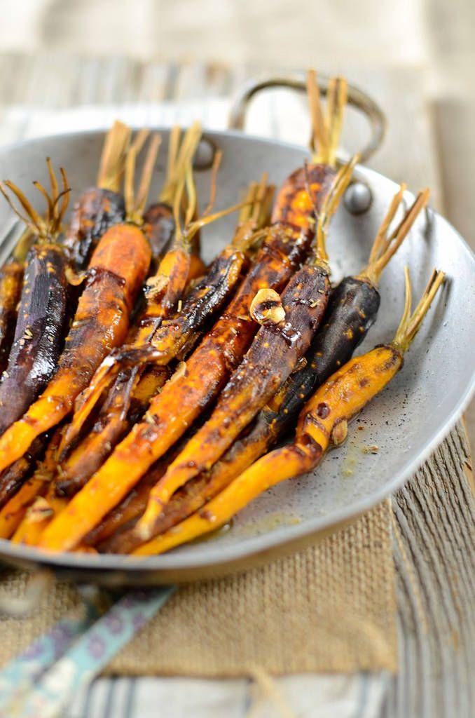 Après les tomates, j'ai testé les carottes rôties et confites au four. Pour cela, j'ai utilisé des carottes nouvelles violettes...