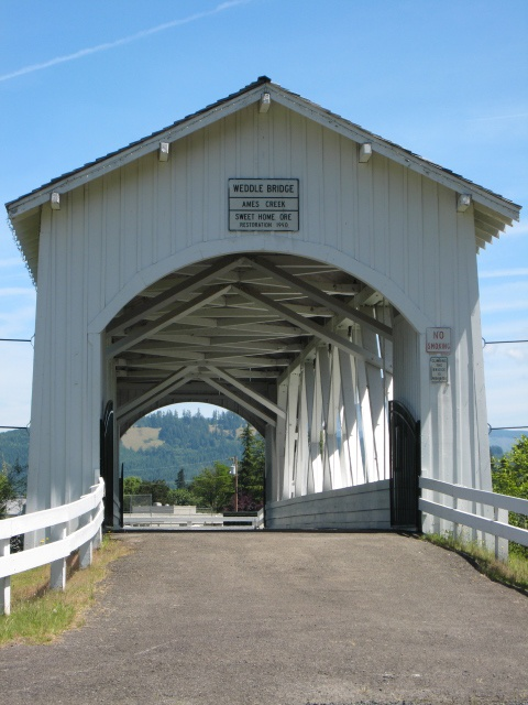 Weddle covered bridge in Oregon