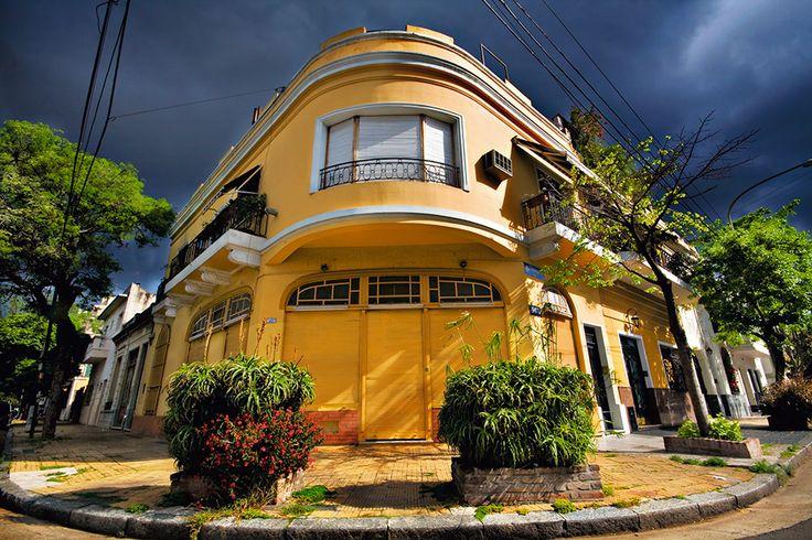 Ciudad de Buenos Aires, barrio de Caballito.....foto  de una casa típica .
