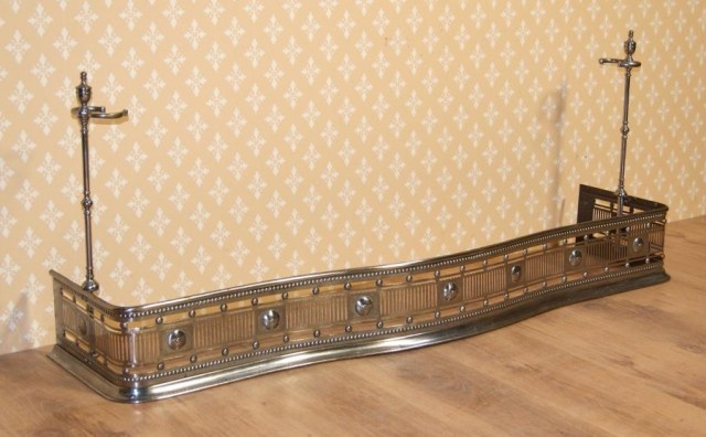 EARLY 19TH CENTURY POLISHED AND ENGRAVED STEEL FIREPLACE FENDER - UK Architectural Heritage