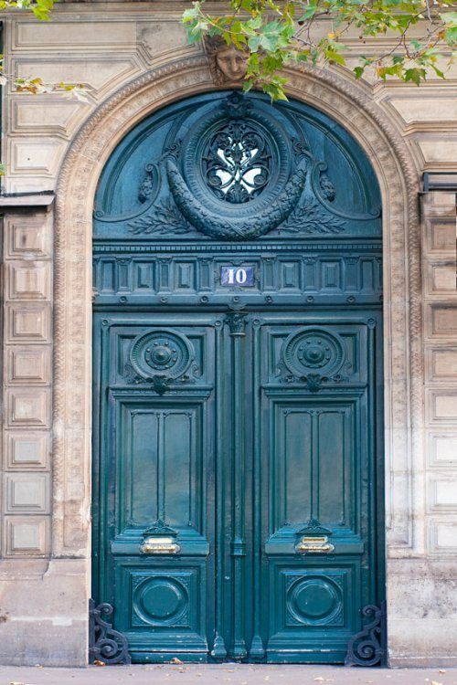 Paris Doorway, posted via ilvecuriosity.wordpress.com