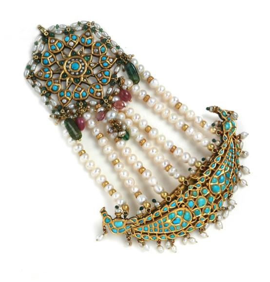 Amprapali Jhoomer. Love the jhoomer (minus the pearl strands).