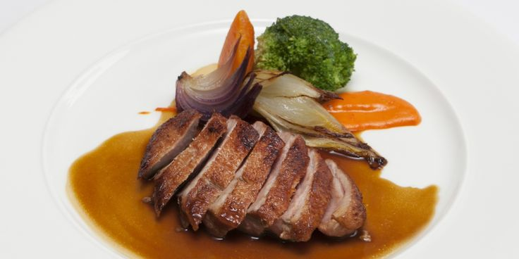 Duck breast with mildly spiced sauce