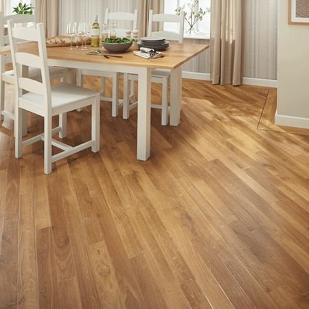 Fresco Light Oak combines a traditional oak grain with honey tones on a warm blond base colour, making it a bright, classic backdrop to any space. As with all our Da Vinci planks, Fresco Light Oak comes in a slender width with bevelled edge and smooth surface.