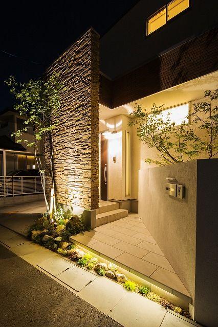 シンプルで上質なナイトガーデン。 #lightingmeister #LOVE #follow #gardenlighting #outdoorlighting #exterior #garden #light #house #home #庭 #家 #照明 #シンプル #上質な #ナイトガーデン #帰宅 #幸せ #素材感 #simple #fine #nightgarden #gohome #happiness #texture Instagram https://instagram.com/lightingmeister/ Facebook https://www.facebook.com/LightingMeister