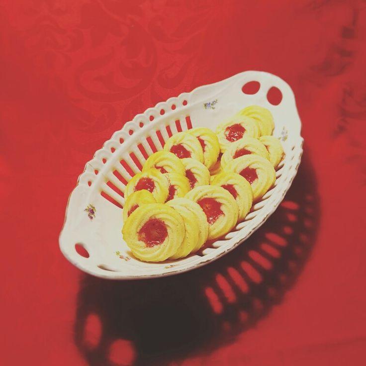 Lækre vaniljekranse med  hindbær i midten 🍰🍰🍰🍰