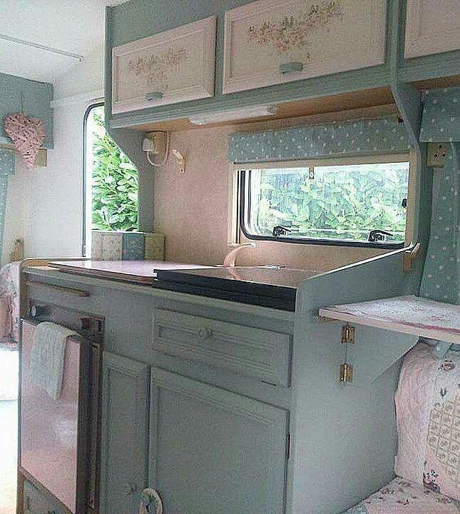 Shabby chic caravan..the tilt-up table idea
