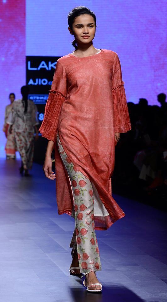Vineetrahul #lfw #5daysoffashion #ss17 #ppus #happyshopping #straightfromtherunway #comingsoon #fashionweek