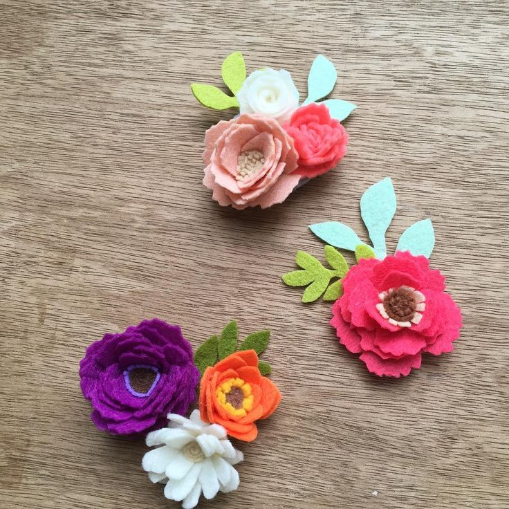Little brooches for summer