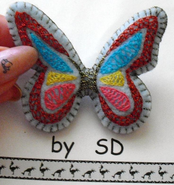broche mariposa en fieltro