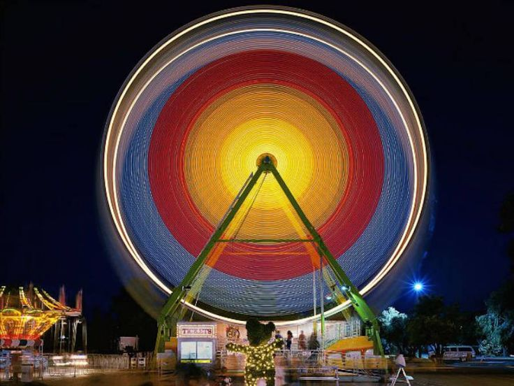 Long Exposure Photographs of Carnival Rides – Fubiz Media