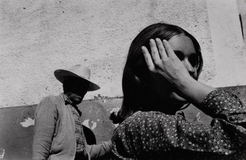 """Bernard Plossu    """"Mexique, 1966""""    Tirage argentique  24cm x 30cm: Plossu 1966, Black Whit Photography, Bernard Plossu Mexico, Photography Master, Art Photography, 1966 Mexico, B W Photography, Mexico 1966, Photography"""