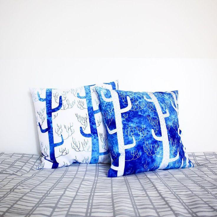 """Ура-ура! С 4 по 7 октября вы можете приобрести классную подушку с авторским принтом с 15% СКИДКОЙ по промокоду PILLOWS. Выбирайте любую иллюстрацию на Hipoco.com На фото хрупкая акварельная красота от @daria_miazhevich. Для заказа на нашем сайте набирайте в поиске """"forest""""Подушечка с двусторонним принтом 40х40 или 50х50 см с потайной молнией. #hipoco #hipocopillow…"""