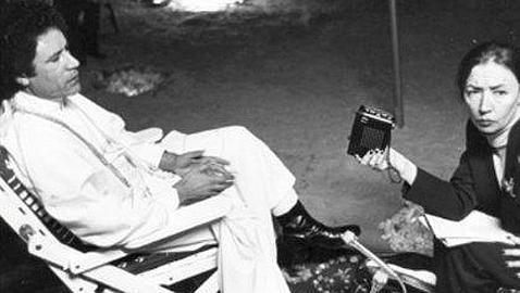 Gadafi y Oriana Fallaci durante una entrevista, en 1979