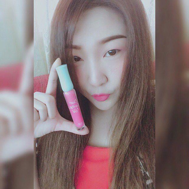 Chou Chou ��~ #tint #etude #etudehouse #kiss #kissing #charming #kawaii #kawaiigirl #chouchou #sweet #sweetie #cutie #enjoylife #happy #selfie #itsme #ami #amiphotograph #instagram #instagood #instahappy #pinky #pink #lipgloss #korean #photographs #photography #photographer #photo #pictures http://ameritrustshield.com/ipost/1549408044012836727/?code=BWAmmgrhJd3