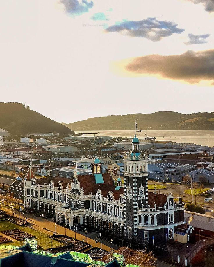 "- New Zealand (@wonderlust_newzealand) on Instagram: ""Welcome to Dunedin, the oldest New Zealand's university city. It's also known for it's impressive railway station #dunnerstunner #otagoNZ"