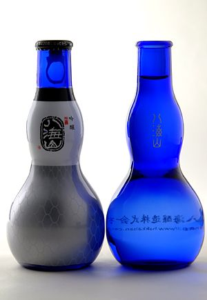 """八海山"" Sake.  Rather odd design IMPDO."
