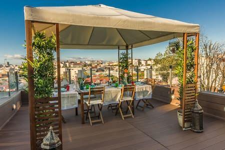 Airbnb: Lisbon4Real: Deluxe 3BR Rooftop in Principe Real - Apartamentos para Alugar em Lisboa