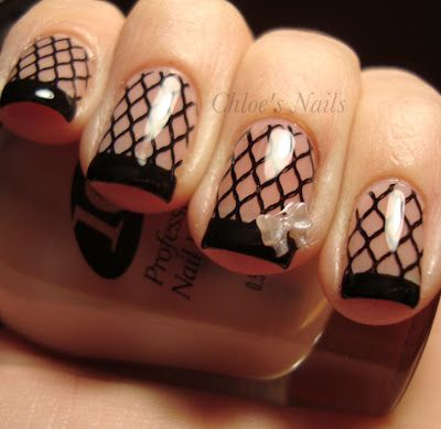 These are so HOT. Fishnet stockings on your nails= Sex appeal . Tiny bow= Good girl. <3 it.