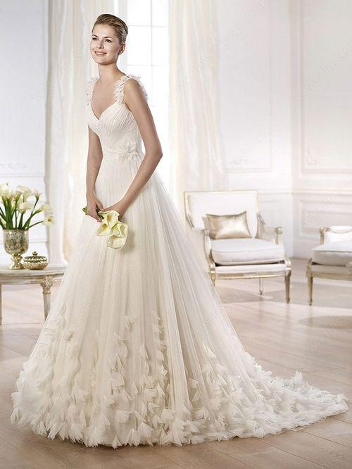 A-line Straps Tulle Court Train Flower(s) Wedding Dresses -£179.89
