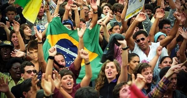 @angelabesteves @Protest_A Vamos fazer bandeiras como essa e levarmos pras ruas!! http://diadobasta.blogspot.com.br/ pic.twitter.com/83nb1Ki1pm