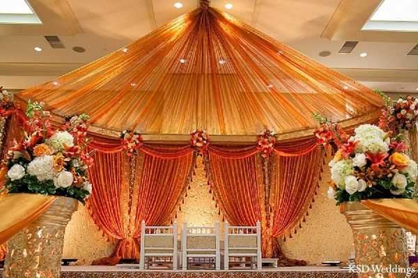 Mandap http://maharaniweddings.com/gallery/photo/16471