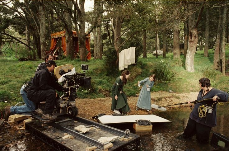 Movie: LAS CRÓNICAS DE NARNIA 1  (Anna Popplewell y Georgie Henley)